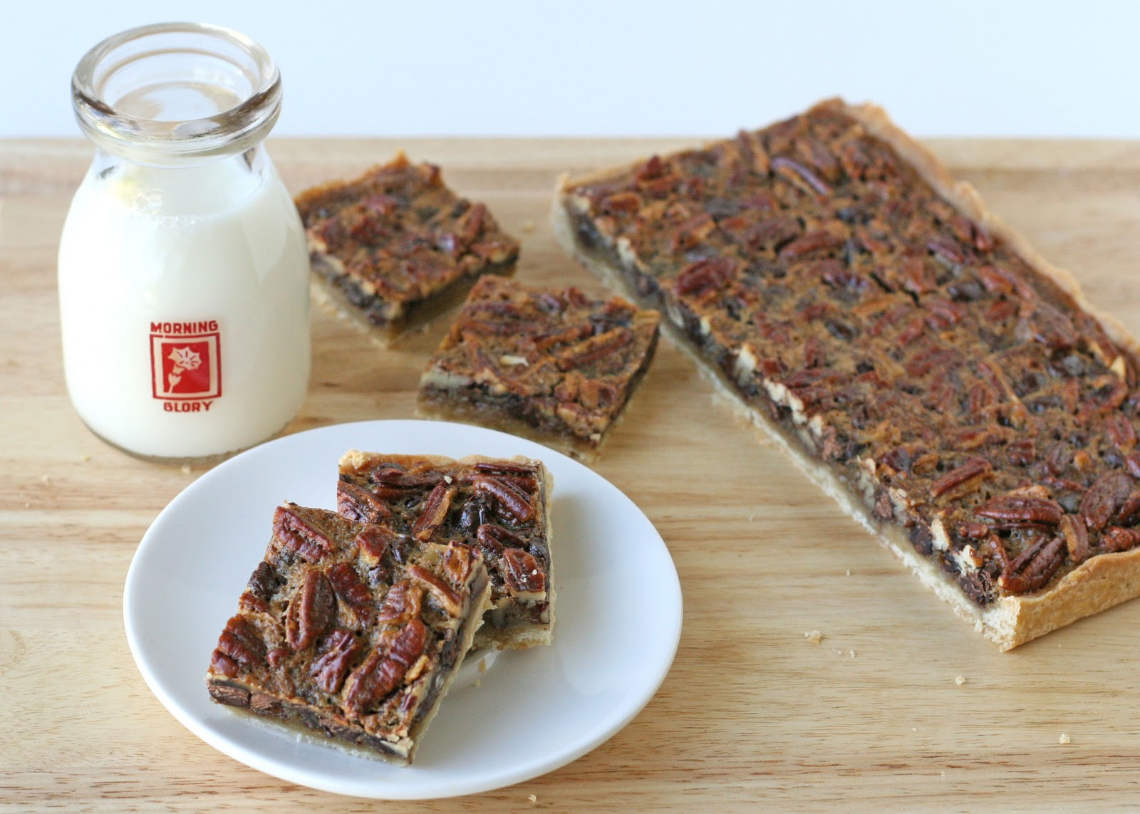 Chocolate Pecan Pie Bars – Glorious Treats