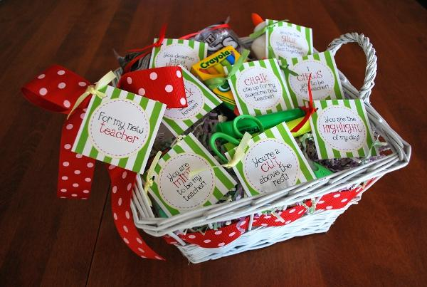 what a cute package for the teacher candy and sodaa teachers best friend after a long day the tag is a free download and instructions are included - Best Christmas Gifts For Teachers