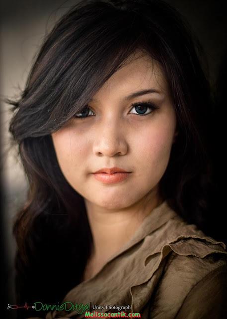Mahasiswi Cantik Belajar Modeling (Mulus Bahan Coli)