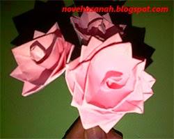 bunga kertas ini dibuat dengan kertas bekas dan cara yang sangat mudah dan cepat