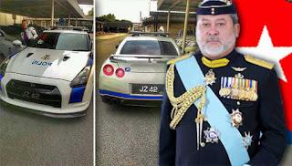 Sultan Johor taja kereta mewah kepada polis