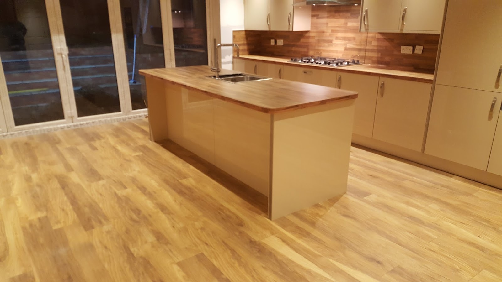 Elm kitchens and joinery january 2016 - Kitchen backboards ...