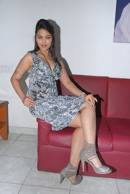 Actress Priyanka Tiwari Hot Image Latest Photo Stills Photoshoot images