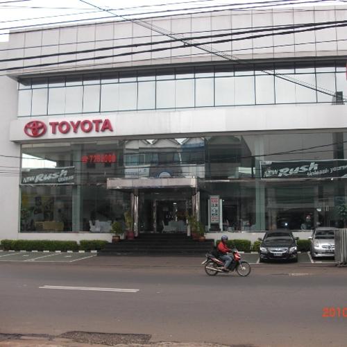 TOYOTA Auto 2000 Radio Dalam, Jakarta Selatan