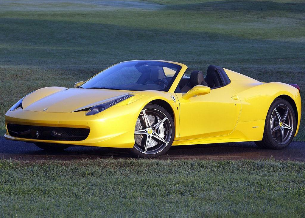 Sports cars ferrari 2013