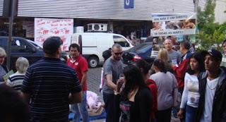 Ativistas realizam ação pelo dia de todas as mães em São Leopoldo/RS