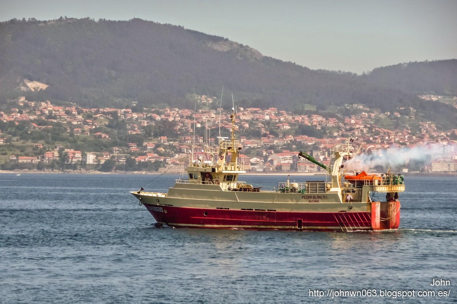 fotos de barcos, imagenes de barcos, pedra blanca, arrastrero, vigo