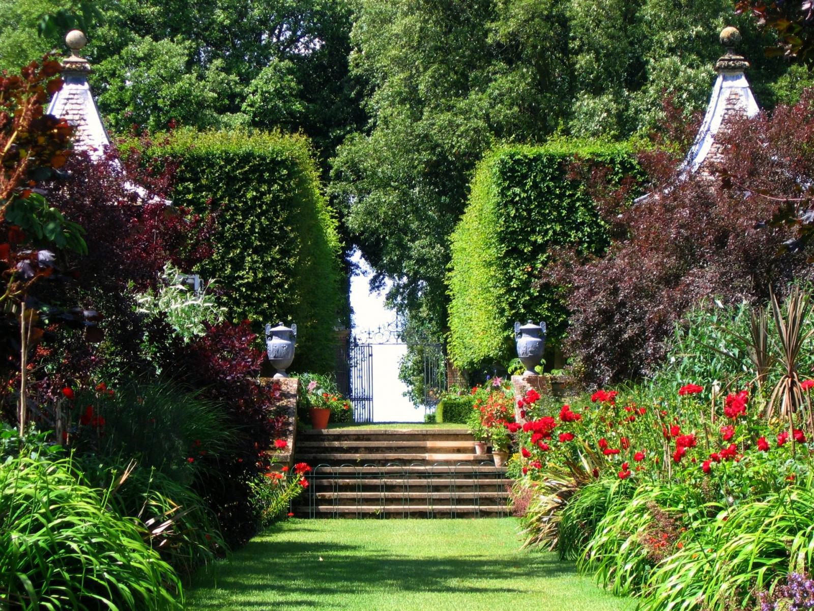 http://2.bp.blogspot.com/-fjmgJkkEdxM/UDifw95BIwI/AAAAAAAABvI/pMMkezbf3Fs/s1600/Beautiful+Japanese+Garden+%252812%2529.jpg
