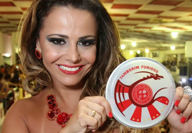 Bateria Furiosa e Viviane Araújo participam do Ensaio Salgueiro