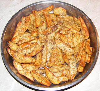 cartofi la cuptor, mancare de cartofi, cartofi copti, cartofi cu rozmarin, retete, retete de post, mancaruri de post, retete culinare, retete de mancare, cartofi copti la cuptor cu rozmarin si ulei de masline, mancaruri cu cartofi, retete cu cartofi, preparate din cartofi, garnitura, garnituri pentru fripturi si salate,