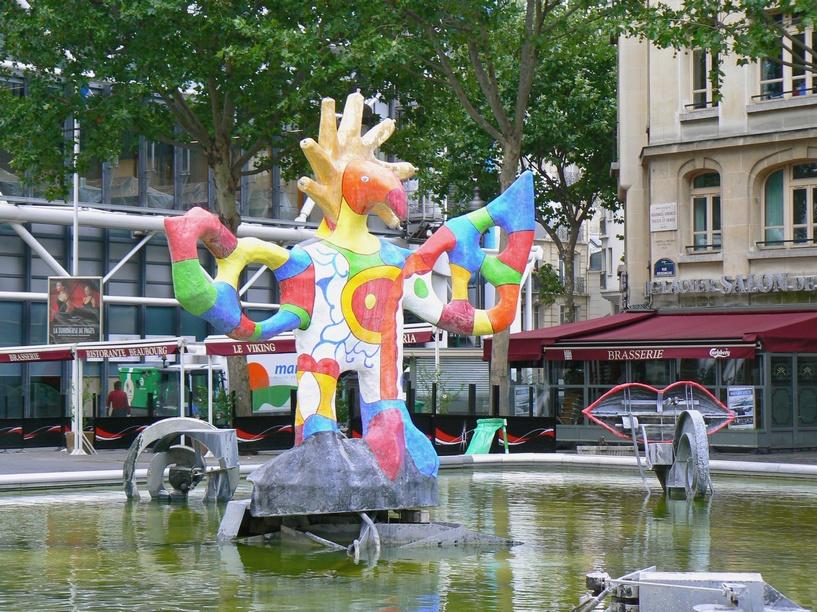 Histo 39 art les grosses dames - Fontaine beaubourg niki de saint phalle ...