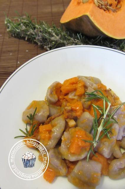 patate viola e ragù di zucca ovvero gli gnocchi di halloween