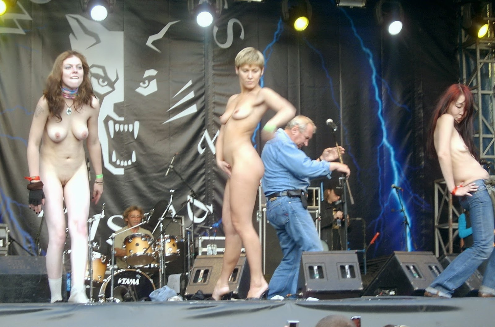 naked at a rock concert