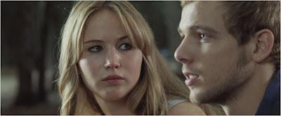 Elisabeth Shue (Sarah) e Max Thieriot (Ryan)