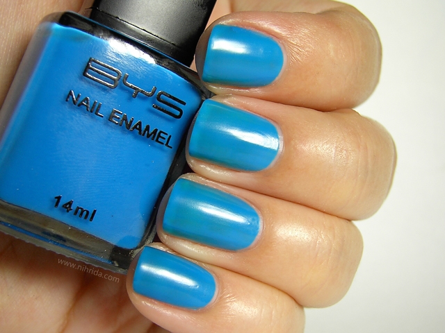 BYS Colour Change Nail Enamel in Royal Blue