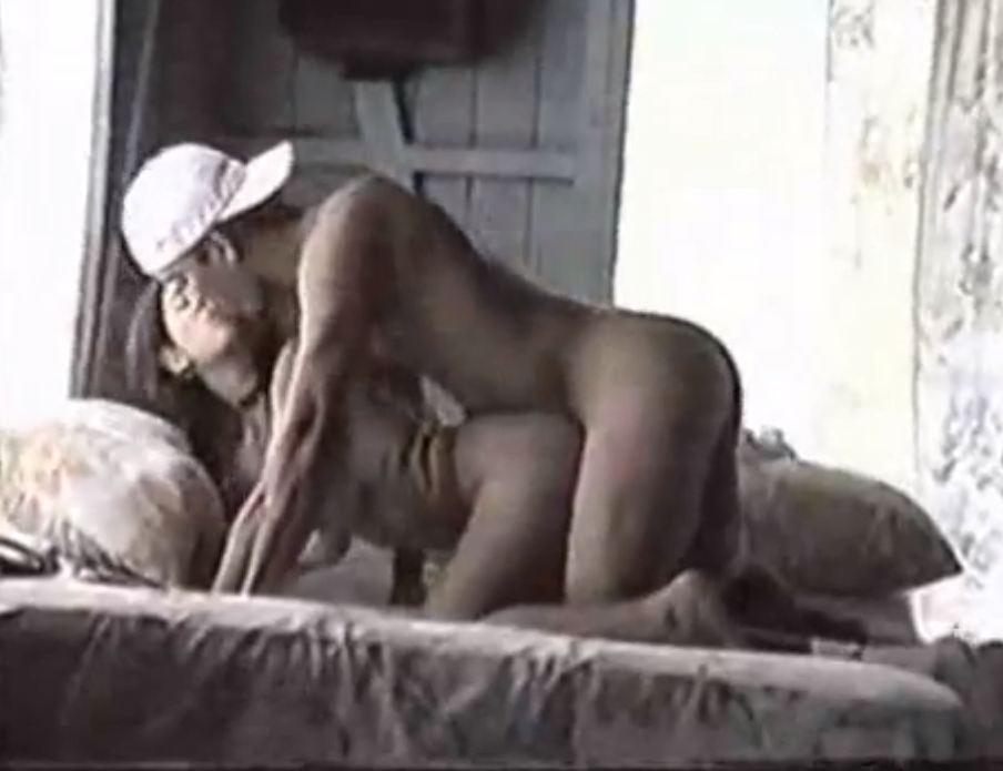 Dois Caras Comendo a Namorada de um Deles