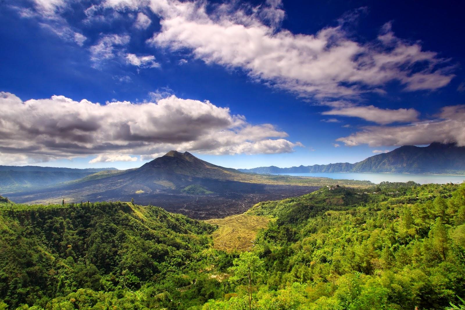 Pemandangan indah Gunung Batur