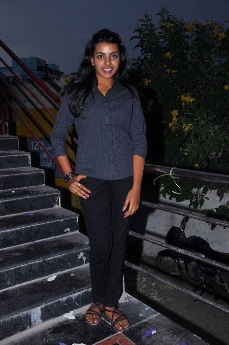 divya nagesh from , divya new photo gallery
