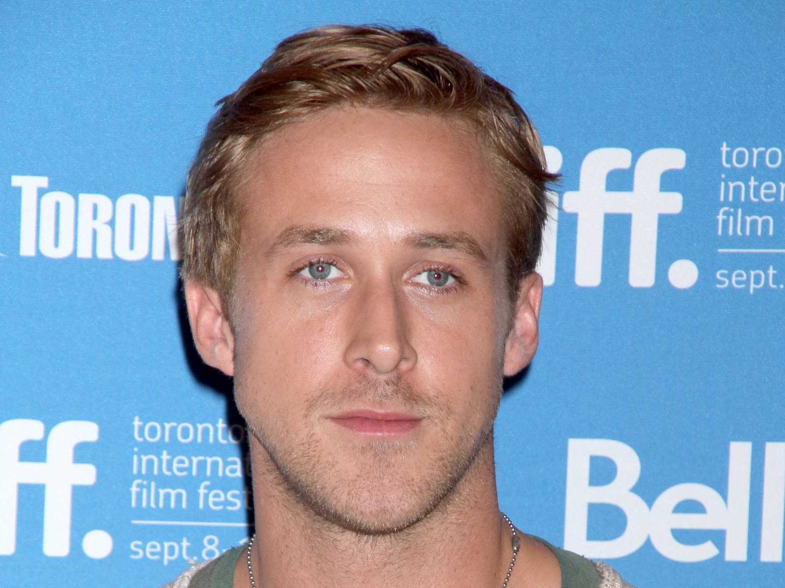 Ryan Gosling Wallpapers Collections
