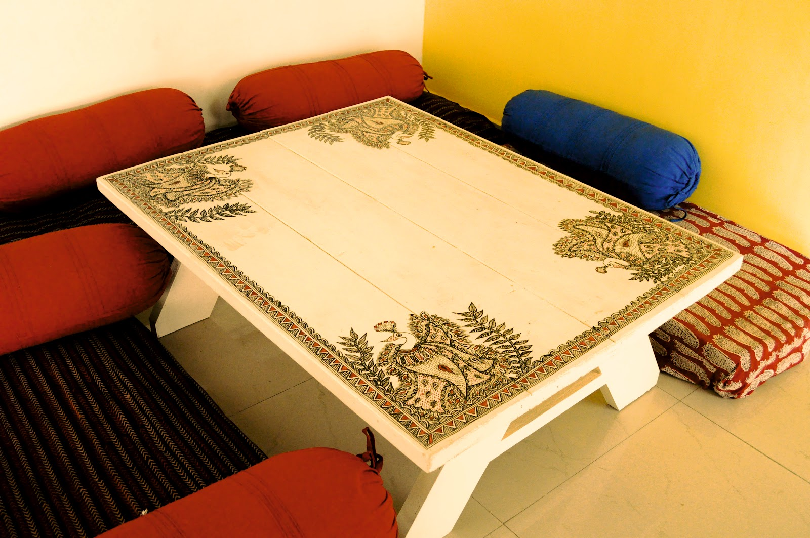 craft canvas brings traditional art right into your home the ahmedabad based craft canvas is giving us all a chance to bring expert artisans into our homes and do up a wall or two with their artwork how cool