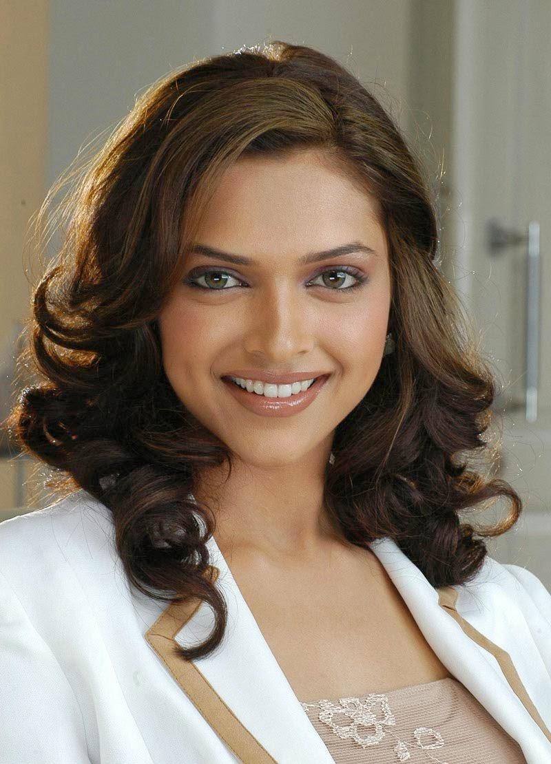 Deepika Padukone's Hottest HD Close-up Pics