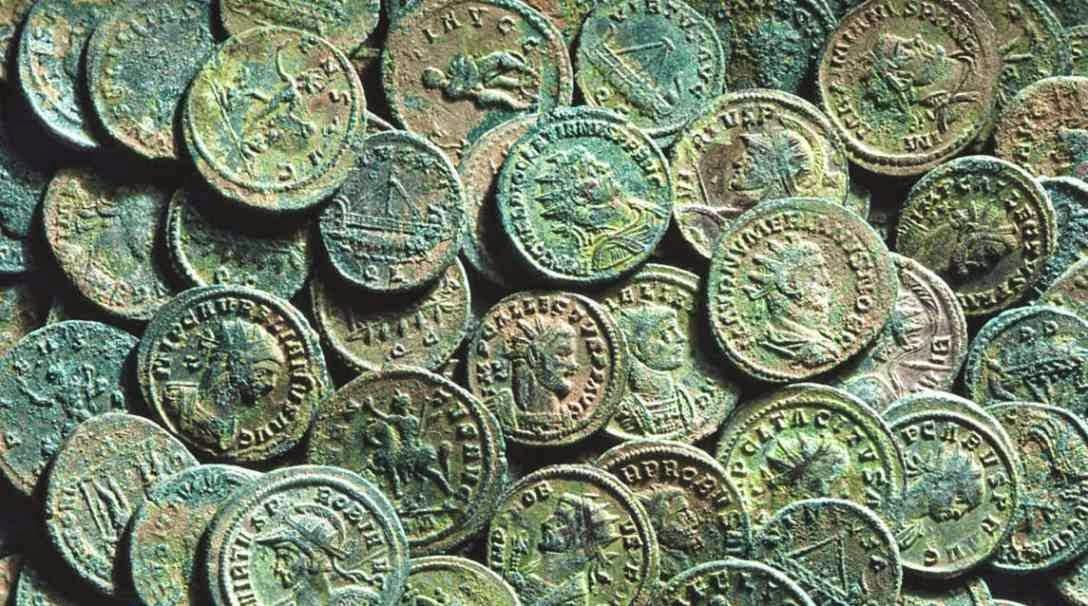 Legados y monedas romanas