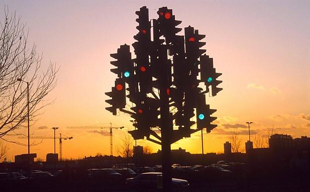 Ulang tahun ke-100 lampu lalu lintas ini: Kapan lampu lalu lintas pertama dipasang?