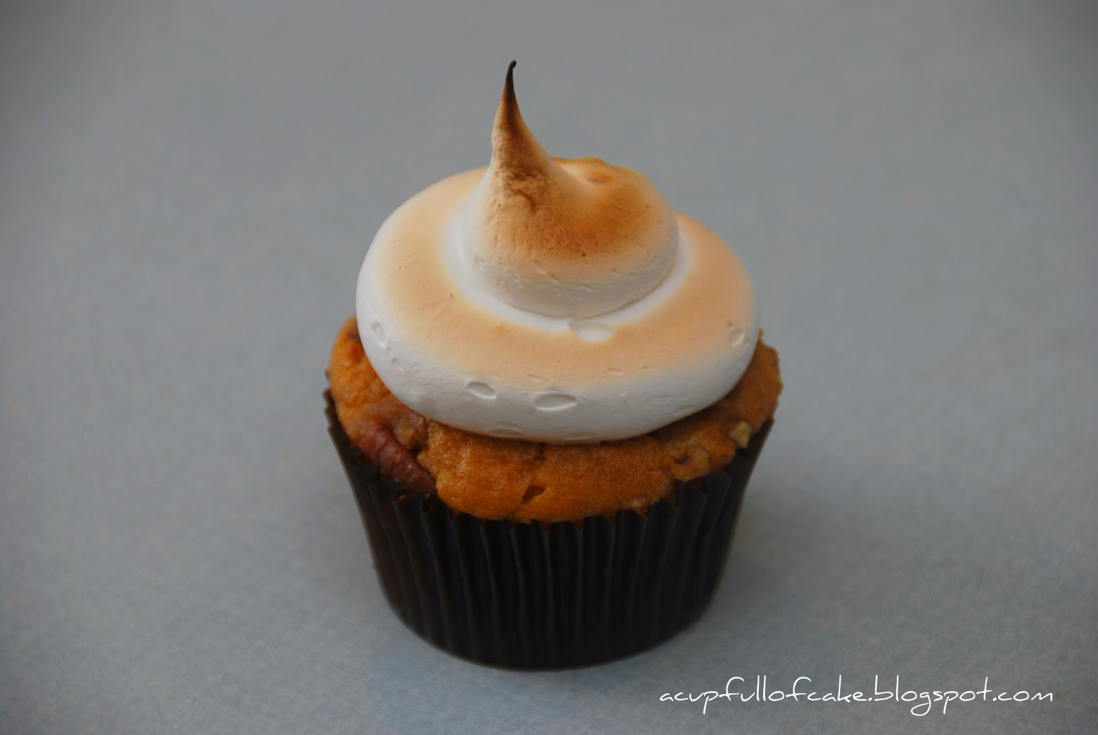 Full of Cake: Sweet potato cupcakes with pecan streusel and toasted ...