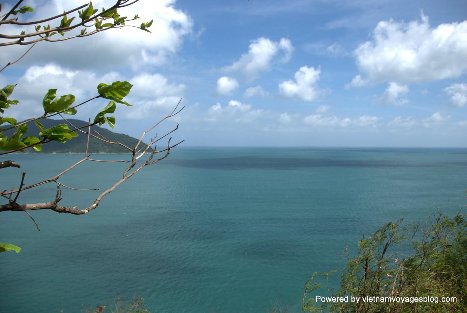 Lên Đèo Cả ngắm nhìn vịnh Vũng Rô