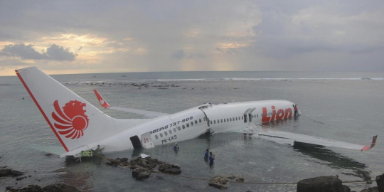 6 Keganjilan kecelakaan Lion Air di Bali