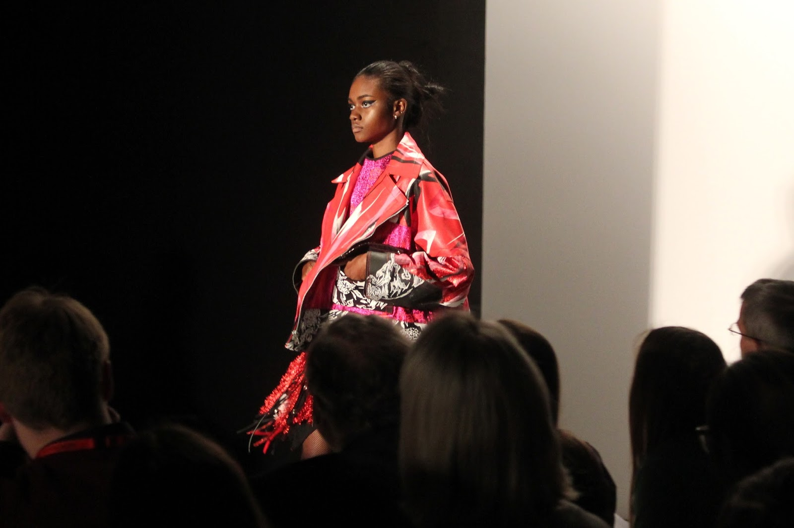 georgie-georgina-minter-brown-frequencies-blogger-fashion-university-of-westminster-runway-show-catwalk-models