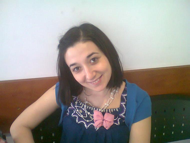 Adelina prima mea clienta purtand o brosa unicat:)