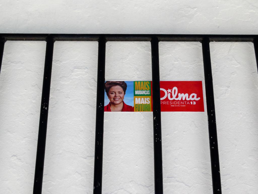 Sem título, by Guillermo Aldaya / PhotoConversa