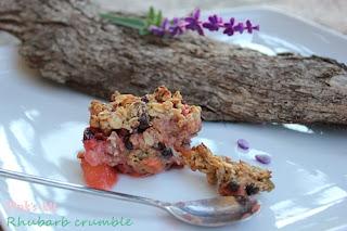 Bánh rhubarb, táo và dâu crumble 1