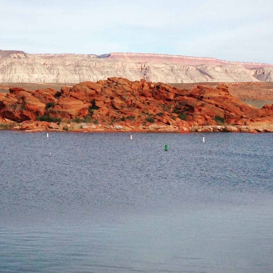 Colleen s triathlon training blog ironman st george 70 3 for Sand hollow swimming pool st george