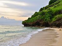 Aktifitas dan Keindahan Objek Wisata Pantai Gunung Payung Bali
