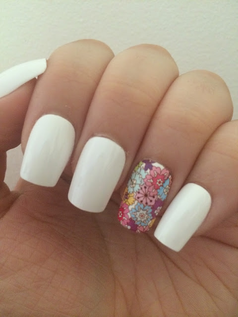 White & Floral Manicure
