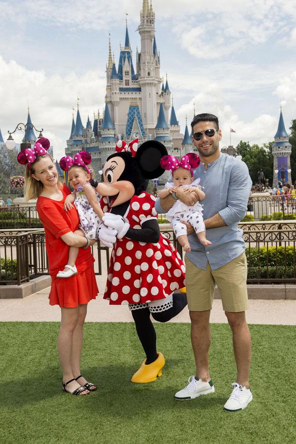 El-tigre-Falcao-visitó-Walt-Disney-World-familia