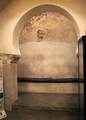 Sala templada de los baños de Zeid en Toledo