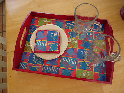 Decorataing a Hanukkah tray with gift wrap
