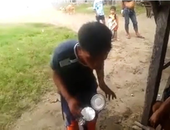 Another internet sensation a filipino man playing his improvised drums made of used tin cans and PVC pipes BudotsKing
