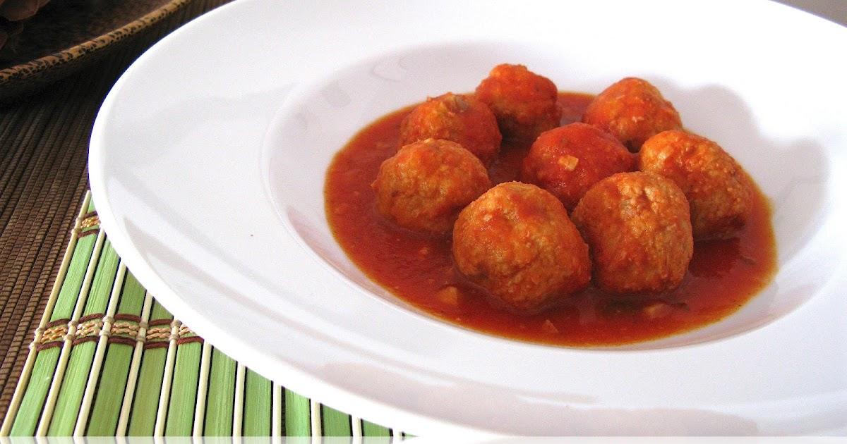 Deseos sin gluten alb ndigas de at n en salsa de tomate for Cocinar tintorera