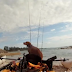 Μερικές φορές, όταν είσαι για ψάρεμα, συμβαίνουν παράξενα πράγματα..!!