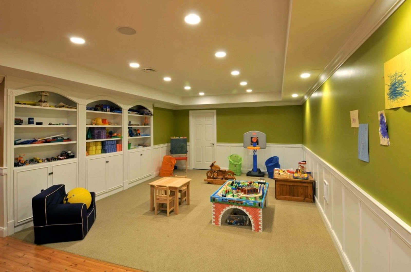 16 creative basement ceiling ideas for your basement for Finished basement designs