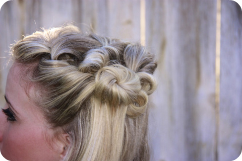 Baby Shower Hairstyles Styles http://www.bedifferentactnormal.com/2011/05/30-fun-summer-hairstyle-tutorials.html