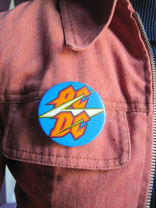 vintage Slade badge 70's gum machine brooch 1970 Mud pinback button  vintage Reindeer vari-vue brooch Boomtown Rats pin vintage ACDC badge Sham 69 badge 1950 50's 1960 60's 1970 70's 1980 80's glam rock punk
