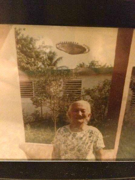 UFO News ~ 8/22/2015 ~ UFO Photo: Puerto Rico 1985 and MORE Pr-ufo1a