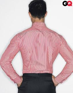 Na plecach można wykonać zaszewki dopasowujące