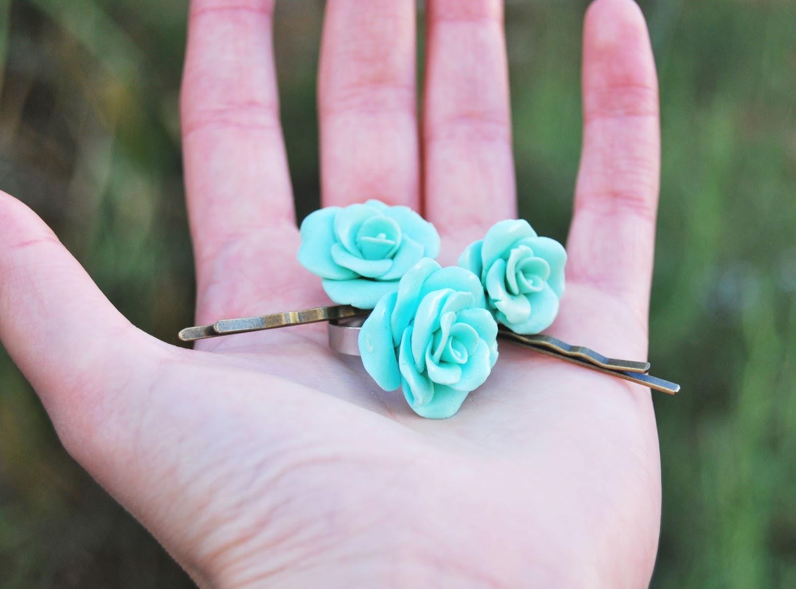 anillo y horquillas verde mint