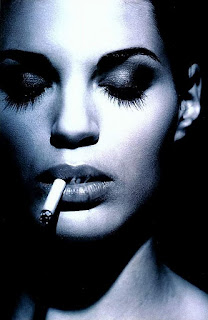 amber valletta smoking